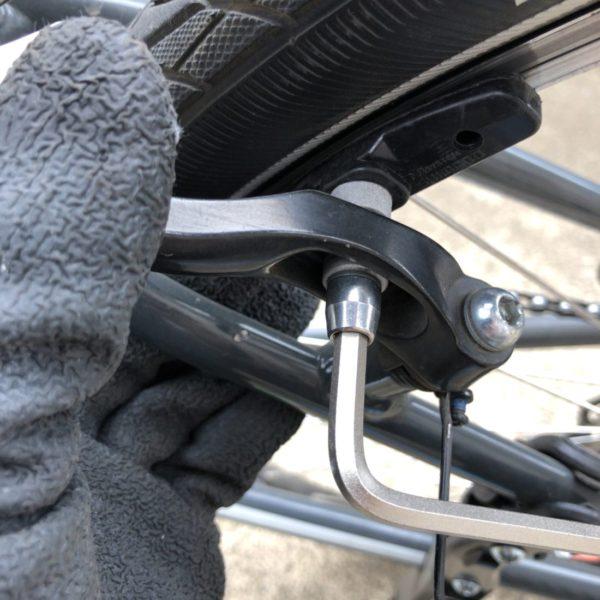 クロスバイクブレーキシュー交換後輪